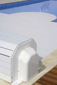 Copertura automatica esterna con calotta di protezione in PVC color bianco: Narbonne-0